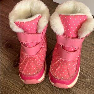 Kids snow boots size 9